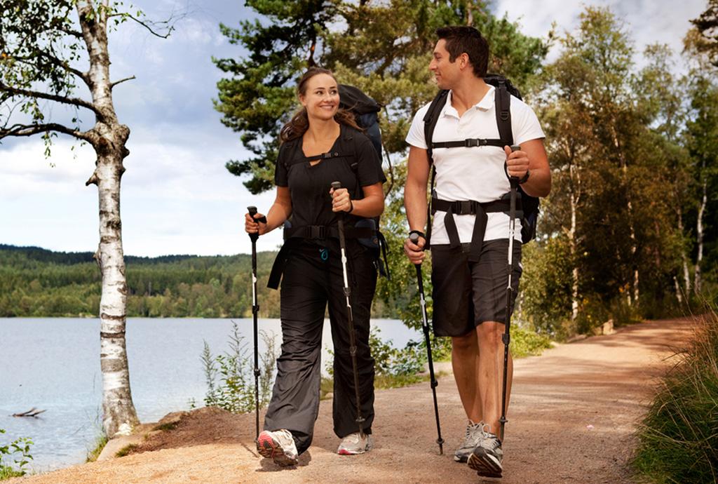Скандинавская ходьба: польза и техника